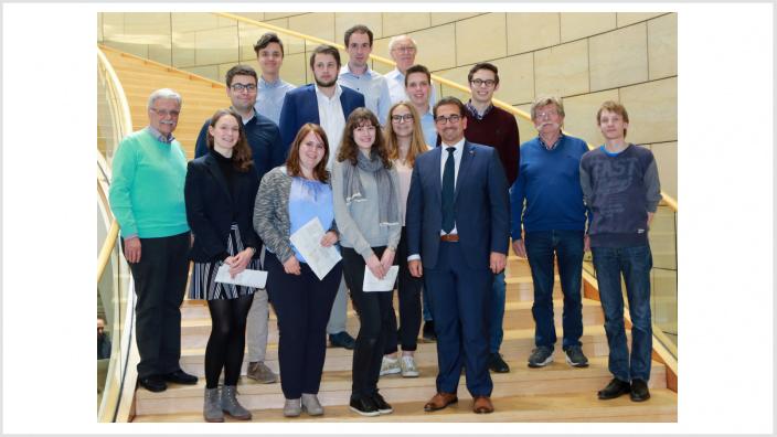 Guido Déus MdL mit der Besuchergruppe aus dem Bonner Wahlkreis im Landtag NRW (Quelle: Volker Zierhut CDU-Landtagsfraktion)